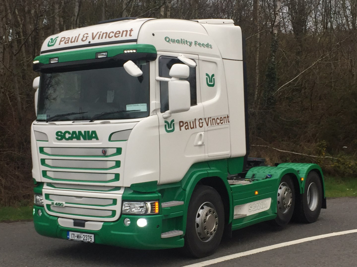 Paul & Vincent Chooses New Scania R450
