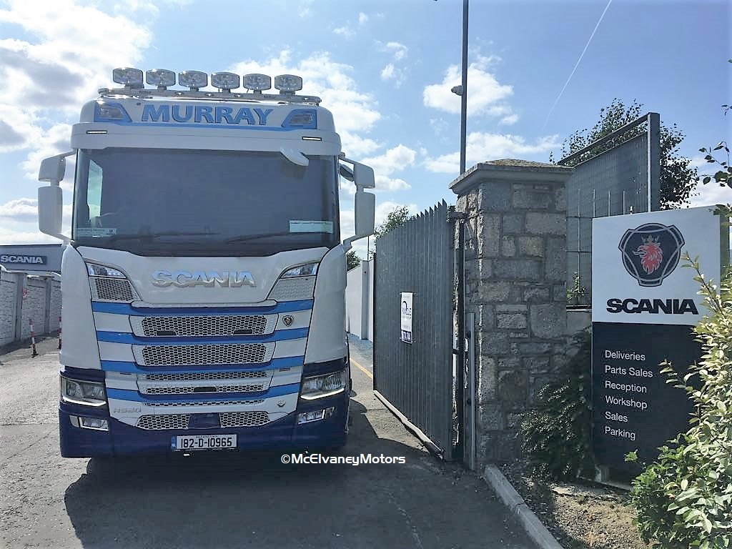 Mark Murray Chooses Stunning New Scania R520